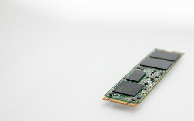 SSDとは HDDとの違い